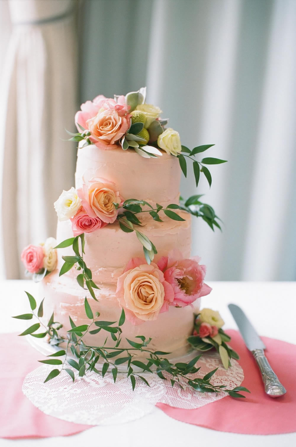 Floral decoration on cake